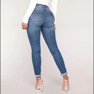 NWT Medium Wash Fashion Nova Skinny Jeans